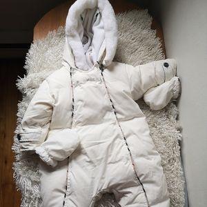 Burberry baby coat .seize :12m/74 cm